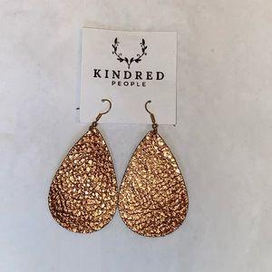 Jewelry - NWT cooper metallic leaf drop earrings